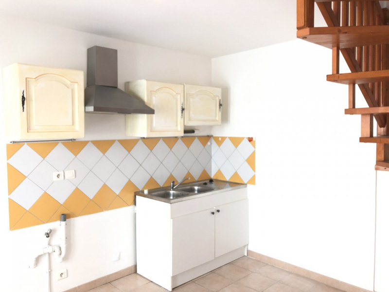 Location studio et t1 Le Puy Sainte Reparade